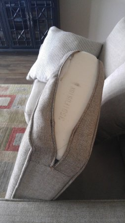 Barefoot Resort Yacht Club: couch cushion cover broken
