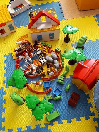 Playmobil-FunPark: animals, farm houses, frees and plants...