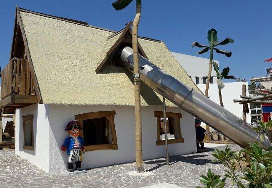 Hal Far, Malta: outdoors metal slider