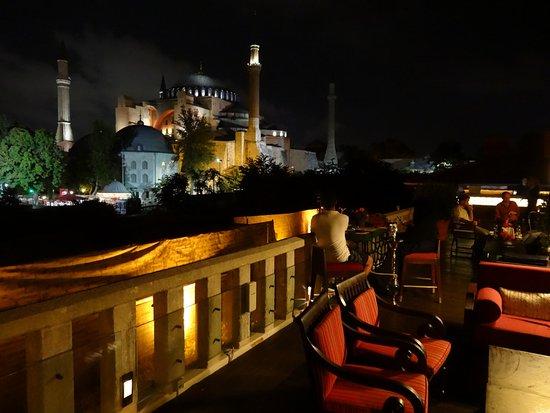 Four Seasons Hotel Istanbul at Sultanahmet: ルーフトップバー