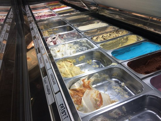 Wormerveer, เนเธอร์แลนด์: some of the many flavors to choose from