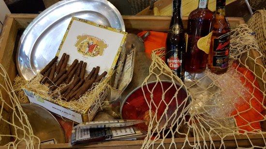 Hotel Clipper: Rum & cigars corner dopo il Gran buffet di Ferragosto