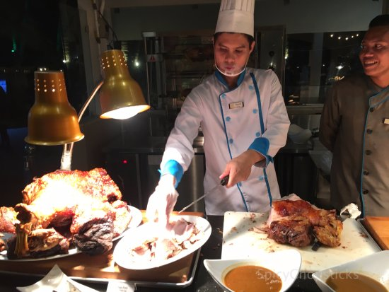 Sea Breeze Cafe: Meat Carving
