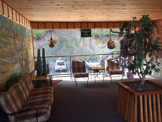 Cedar Wood Inn: photo0.jpg