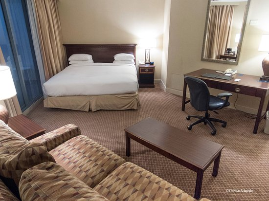 Hilton Melbourne Rialto Place: Quarto cama king com sacada
