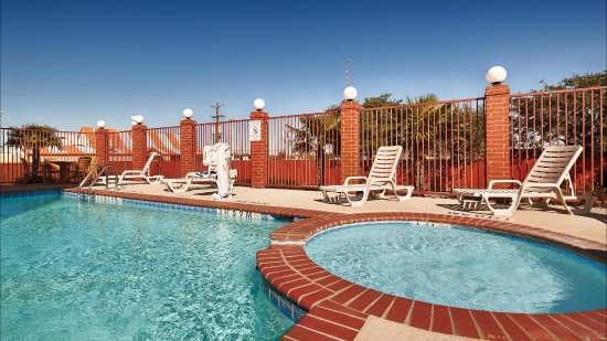 Giddings, TX: Outdoor Pool