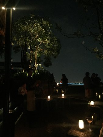 SKYE Bar & Restaurant: photo0.jpg