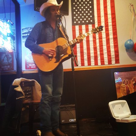 New Tazewell, TN: Live Entertainment