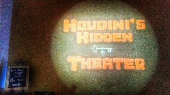 Celebration, FL: Houdini's magic show