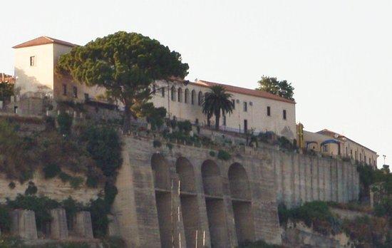 Gerace, Italia: Vista da fuori con Bombarde