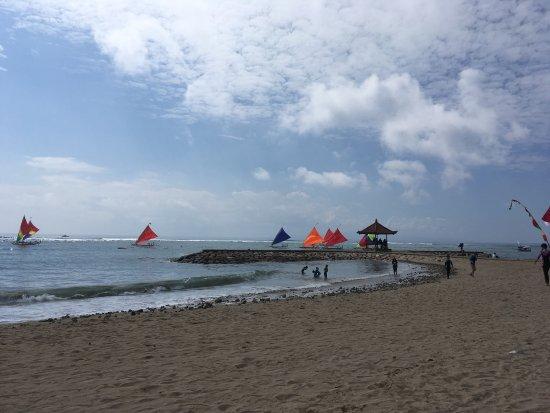 Diwangkara Beach Hotel & Resort : photo1.jpg