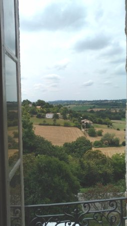 Castillonnes, Frankrike: View from the Orient room.