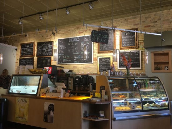 Clare, MI: Excellent food choices, great atmosphere, clean, upbeat and friendly staff.