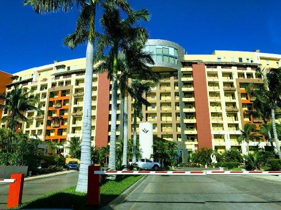 Villa del Palmar Cancun Beach Resort & Spa: Entering Hotel