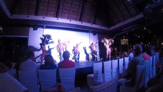 Villa del Palmar Cancun Beach Resort & Spa: Evening show