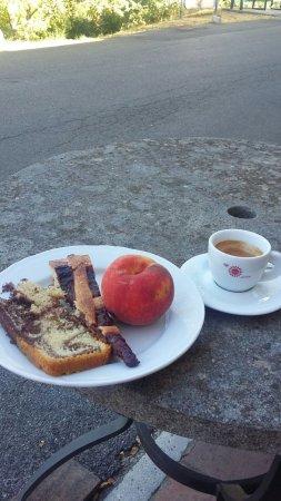 Murci, Italy: colazione con dolci fatti in casa