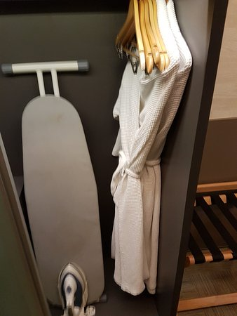 Wangz Hotel: Everything you need.
