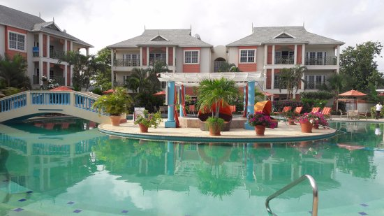 Bay Gardens Beach Resort: Piscine Bay Garden Beach Resort