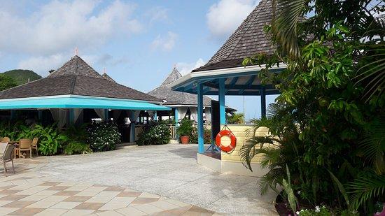 Bay Gardens Beach Resort: vue sur le restaurant du petit dejeuner