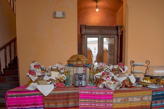 Hotel Patio Andaluz: Breakfast