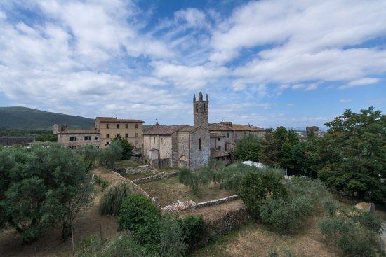 monteriggioni tuscany