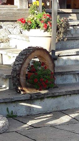 Décoration de la terrasse - Bild von Berghaus Alpenrösli, Klosters ...
