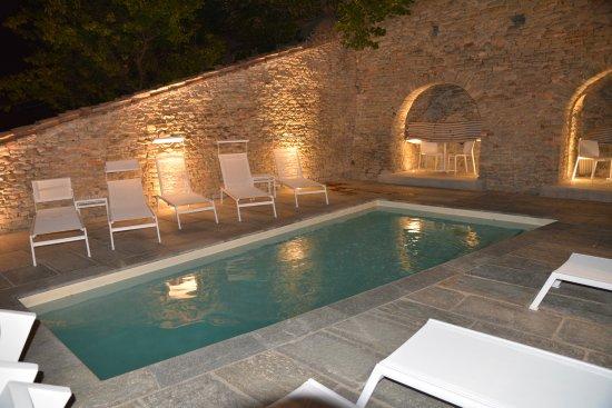 Relais villa del borgo canelli italien b b for Villa del borgo canelli