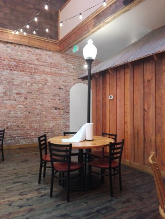 Lusk, WY: The Pizza Place