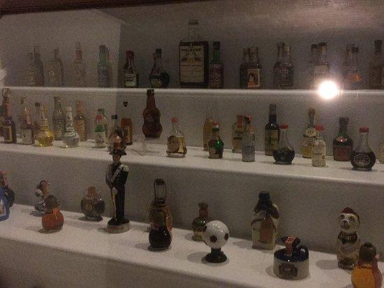 Ballston Spa, NY: Tiny bottles
