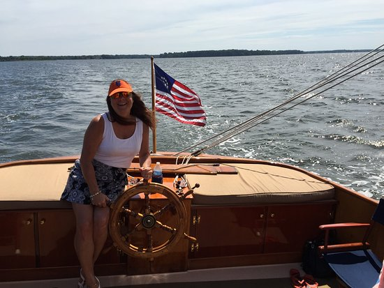 St Michaels, MD: The Mrs. takes the wheel