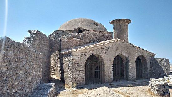 Borsh, Albania: Zamek i Meczet