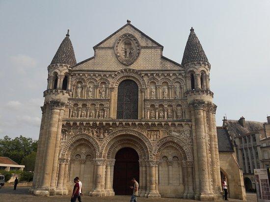 Église de Notre-Dame la Grande : 20170825_161339_large.jpg