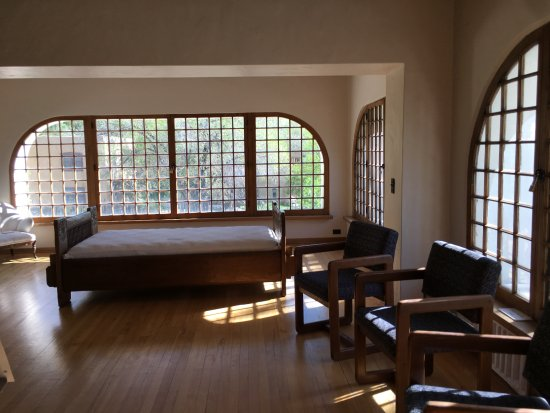 Taos Art Museum : Upstairs bedroom of Fetchin house
