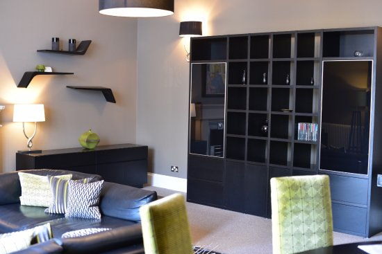 The Chester Residence: Living Room