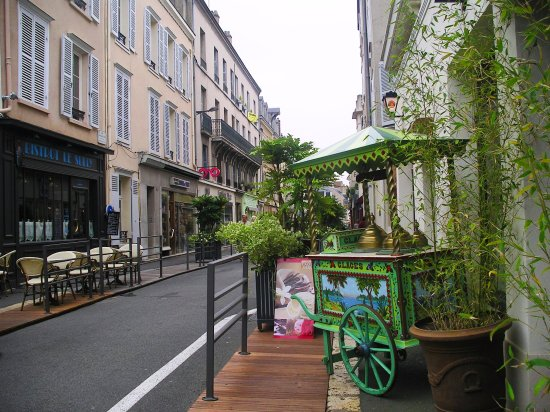 Chartres Historic Preservation Area: Chartres