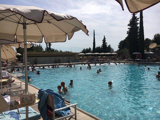 La piscina 2 billede af grotta giusti spa monsummano - Grotta giusti piscina ...