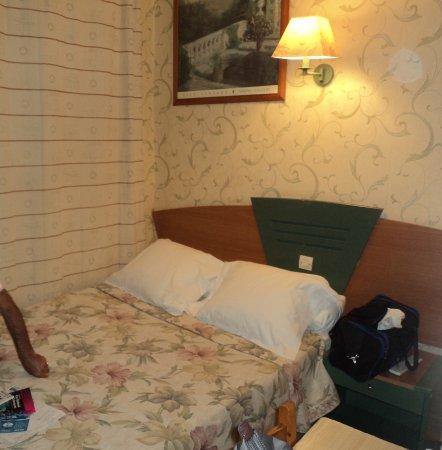 hotel relax marseille frankrijk foto 39 s reviews en prijsvergelijking tripadvisor. Black Bedroom Furniture Sets. Home Design Ideas