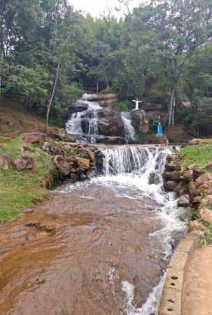 Cambui, MG: Cachoeira 3 Irmãos