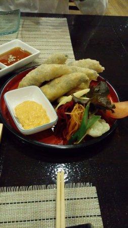 Tanoshii Restaurant Japones: Tempura roll