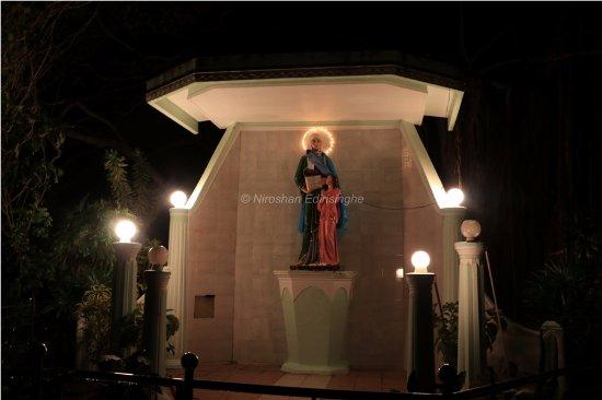 Puttalam, Sri Lanka: Thalawila St. Annes church