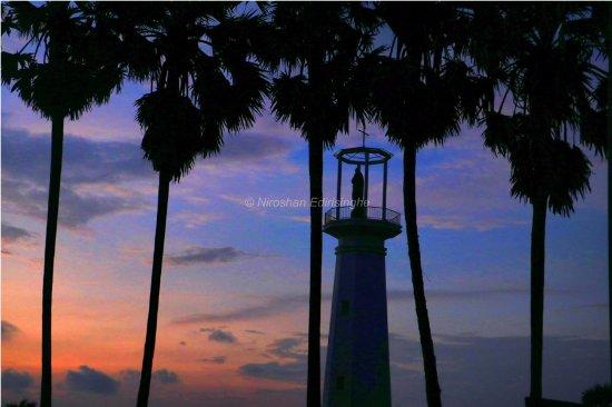 Puttalam, Sri Lanka: Sun set over Thalawila beach