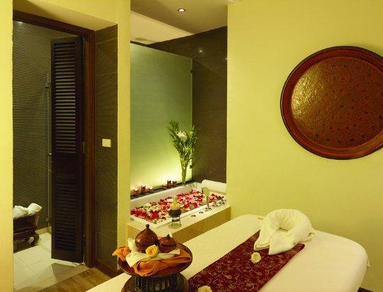 Chatrium Hotel Royal Lake Yangon: Nemita Spa