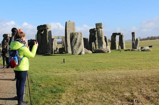 Full-Day Tour of Stonehenge, Bath...