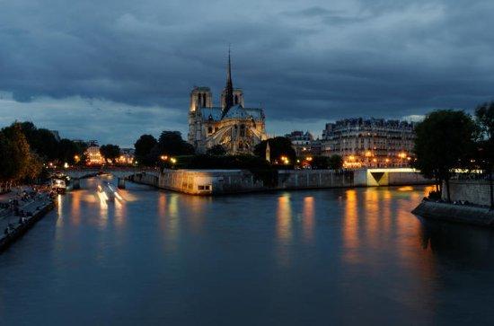 Excursões Noturnas a Pé por Paris...
