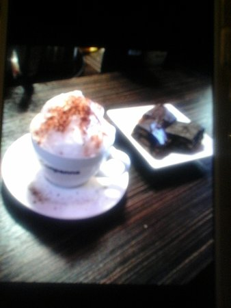 Stayner, Kanada: Cappuccino and dessert!