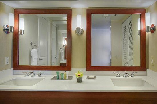 Charmant Hilton Seattle: Bathroom Vanity