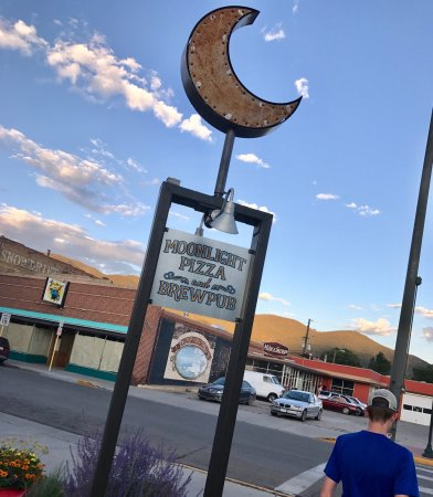 Moonlight Pizza & Brewpub: photo1.jpg