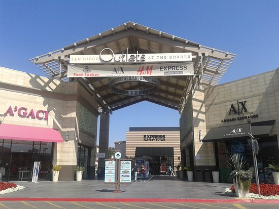 San Diego Factory Outlet Center