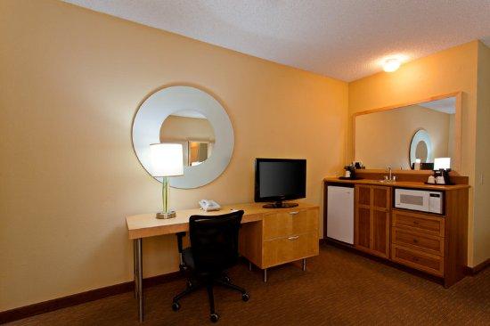 La quinta inn suites orange county airport updated for 2721 hotel terrace santa ana ca