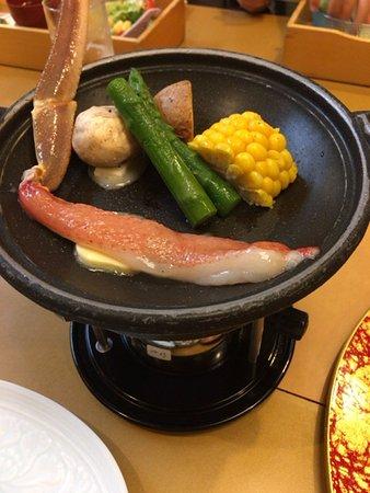 Kurashikikorahonten: カニの鉄板焼き